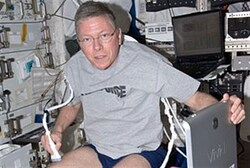 Astronaut tries out Israel-designed system
